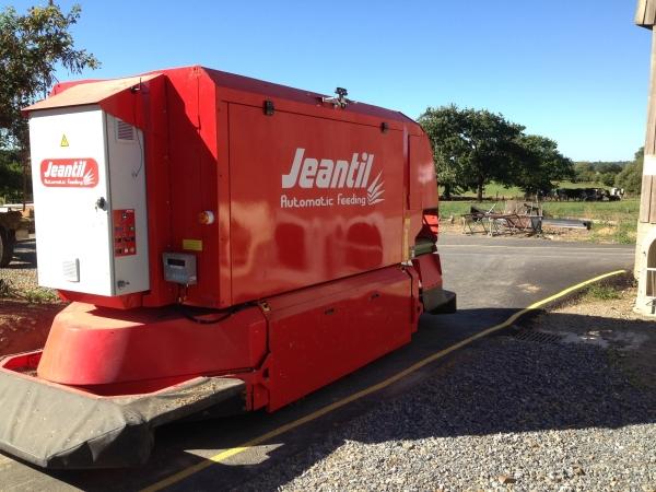 Robot Jeantil Automatic feeding - Jeannet-Débit